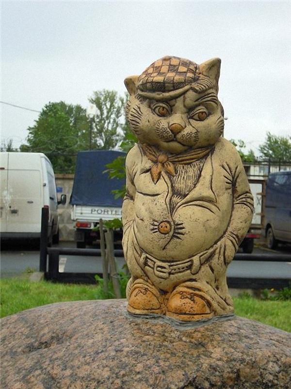 Сколько памятников кошкам в мире